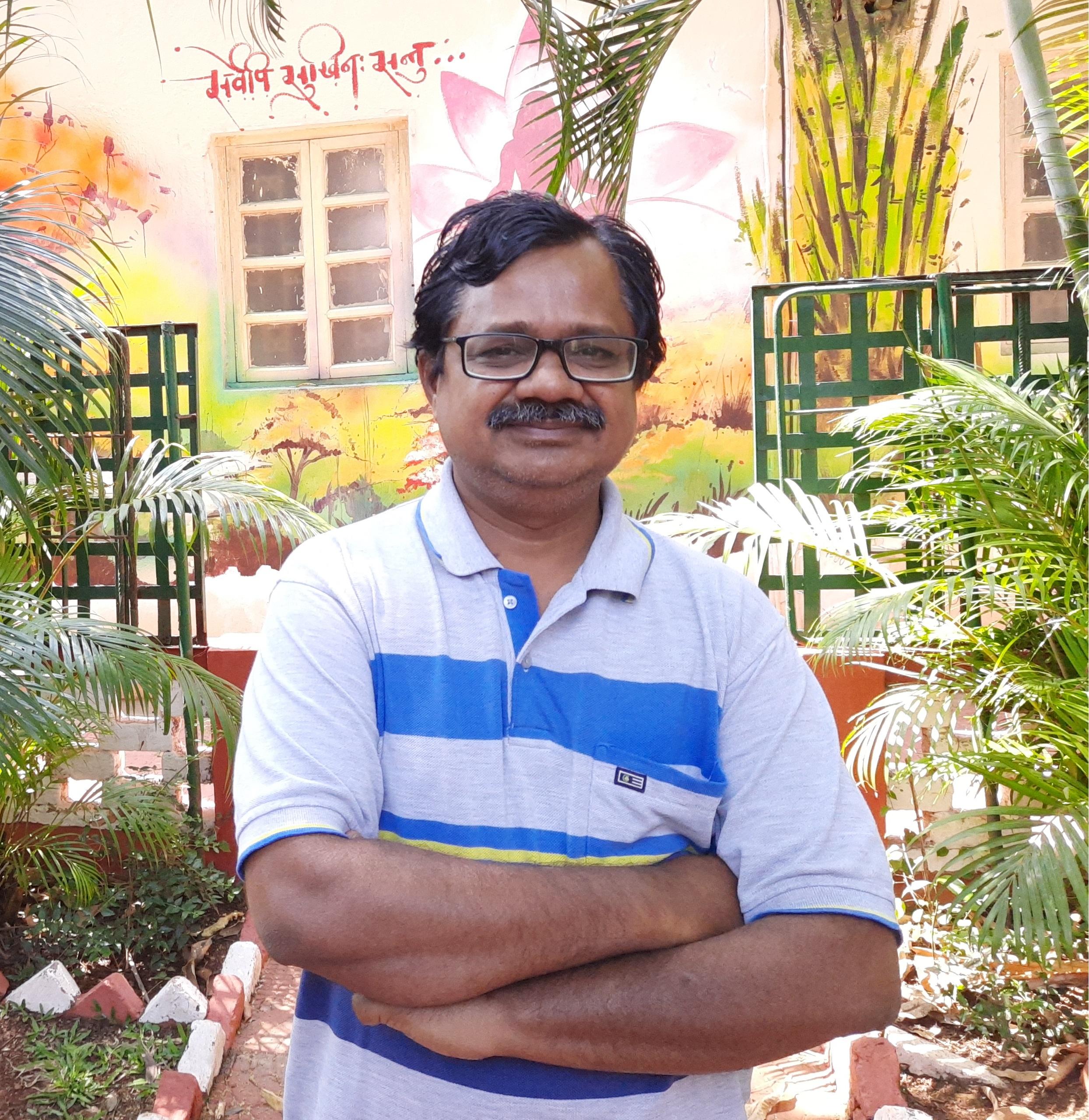 <b>Dr Sharad Bhalekar</b>